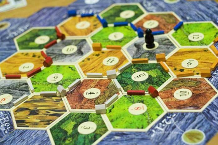 ۶ تا از قدیمی ترین بازی های رومیزی جهان و باحالترین بوردگیم ها